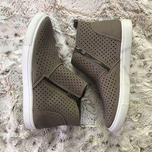 Pierre Dumas Comfort Foam Shoes
